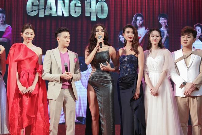 Luong Manh Hai ra mat phim ve hoa hau anh 2