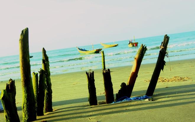 Nhon nhip lang chai vung bien vang hinh anh 2 Vẻ đẹp hoang sơ của biển.