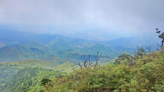 Chinh phuc 3 dinh Ta Xua hinh anh 8 Tầm nhìn từ đỉnh cao thứ nhì.