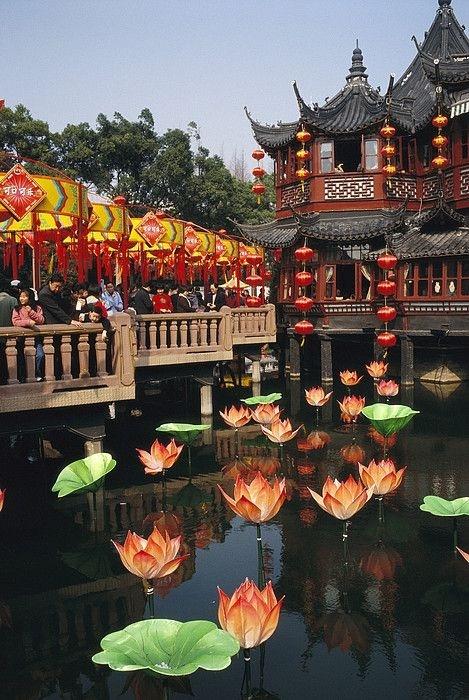 Ha Noi xep thu 2 danh sach 25 diem den hap dan nhat chau A hinh anh 7 4. Thượng Hải, Trung Quốc.