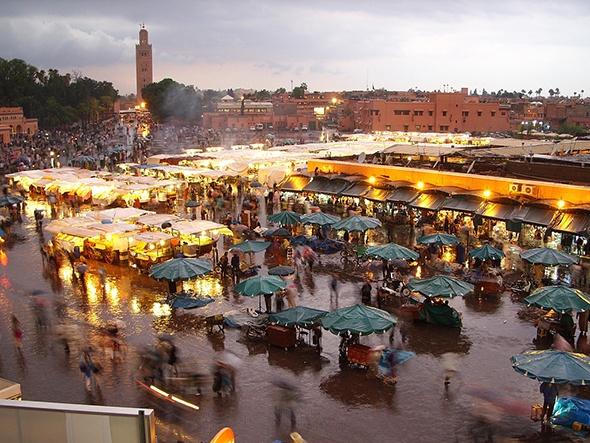 Nhung khu cho gia re dong khach nhat the gioi hinh anh 3 Marrakech, Morocco: Có thể coi cả thành phố này là một khu chợ lớn, với những con phố giống như một mê cung các gian hàng bán đủ mọi thứ, từ đồ trang trí tới những món ăn truyền thống của người Morocco. Ảnh: Rebeccaruby.co.uk