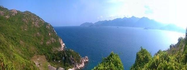Di tim chu 'binh' o vuong quoc tom hum hinh anh 6 Biển Đông rộng bao la xa tít tận trời mây.