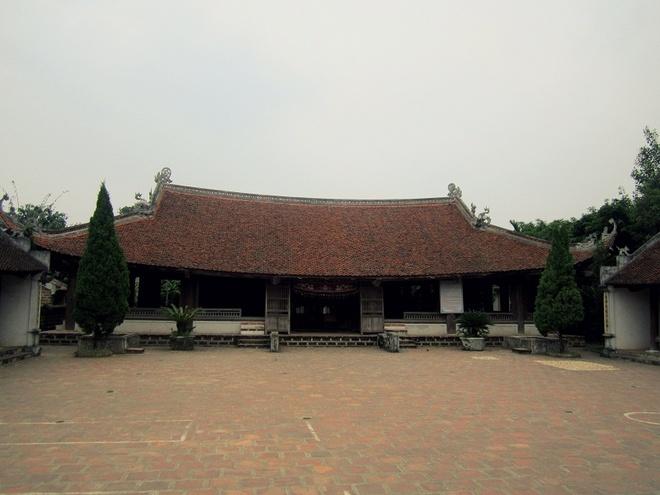 Tham thia xuc cam khi den thu do hinh anh 4 Đình làng Đường Lâm.