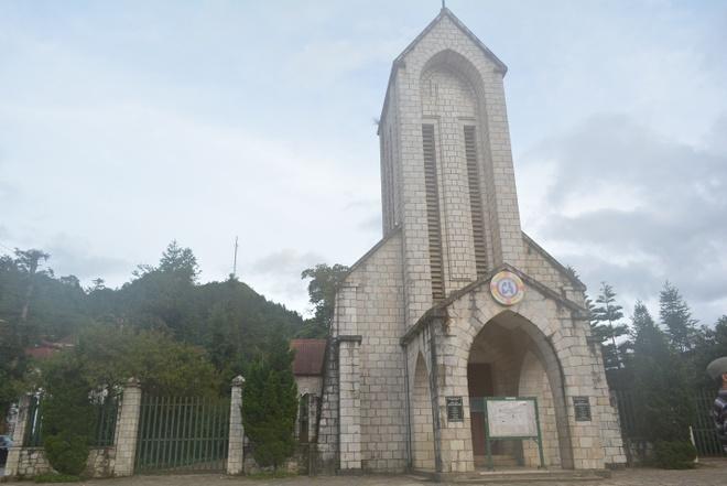 Nhà thờ Đức Mẹ Mân Côi – Thành phố Sapa.