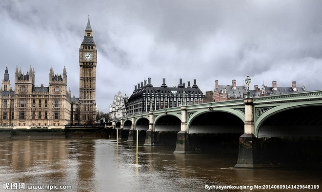 Be boi lo thien tren song Thames hinh anh