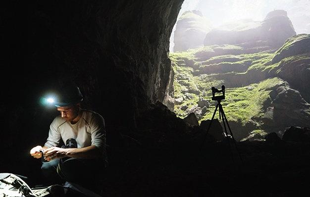 Tu Petra 360 den Son Doong 360 hinh anh 2 Martin làm việc trong hang Sơn Đoòng - Ảnh: Huy Tường.
