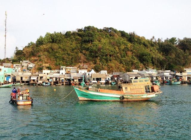 Bến tàu ở Nam Du