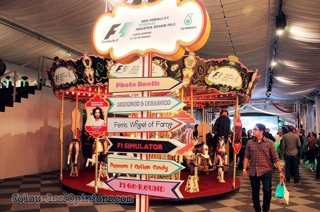 4. Lễ hội Thể thức 1. Một lễ hội đầy hào hứng với những sự kiện hấp dẫn, thủ đô Kuala Lumpur liên tục chào đón du khách đến tận hưởng trải nghiệm tại đây lúc không khí lễ hội tràn đầy khắp nơi. Theo Ngài Thị trưởng Kuala Lumpur, Lễ hội F1 không chỉ thể hiện kinh nghiệm đa dạng của Malaysia trong việc tổ chức cuộc đua nóng nhất hành tinh mà còn phản chiếu một thành phố Kuala Lumpur nhộn nhịp và thời thượng. Thời gian: 27,28 & 29/03/2015 tại KLCC, Kuala Lumpur.