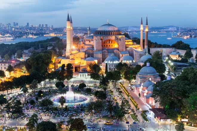 10 diem den chau Au gia re cho du lich he hinh anh 1 1. Istanbul, Thổ Nhĩ Kỳ  Chi phí rẻ hơn so với năm 2014 là 25%   Giá khách sạn trung bình: <abbr class=