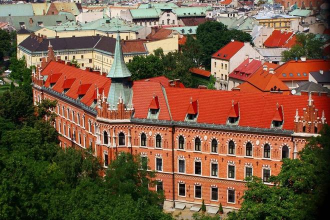 10 diem den chau Au gia re cho du lich he hinh anh 3 3. Krakow, Ba Lan  Chi phí rẻ hơn so với năm 2014 là 5%   Giá khách sạn trung bình: <abbr class=