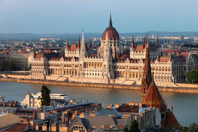 10 diem den chau Au gia re cho du lich he hinh anh 4 4. Budapest, Hungary  Chi phí rẻ hơn so với năm 2014 là 6%   Giá khách sạn trung bình: <abbr class=