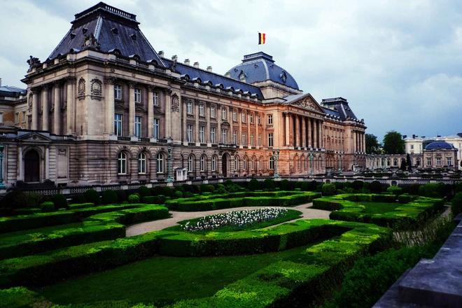 10 diem den chau Au gia re cho du lich he hinh anh 7 7. Brussels, Bỉ  Chi phí rẻ hơn so với năm 2014 là 14%  Giá khách sạn trung bình: <abbr class=