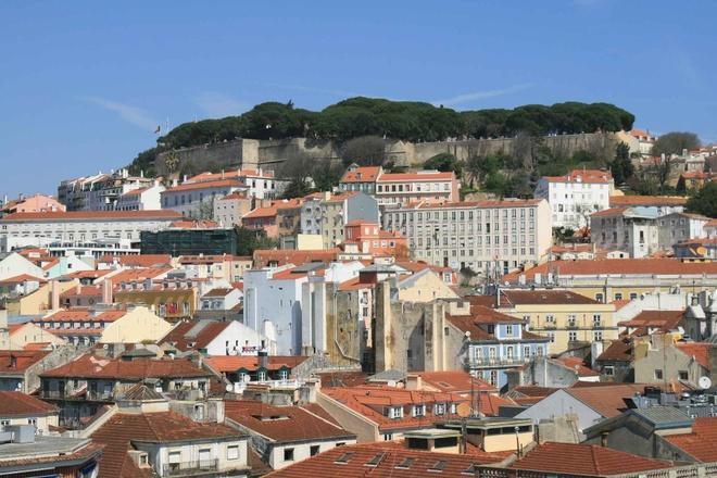 10 diem den chau Au gia re cho du lich he hinh anh 9 9. Lisbon, Bồ Đào Nha  Chi phí rẻ hơn so với năm 2014 là 1%   Giá khách sạn trung bình: <abbr class=