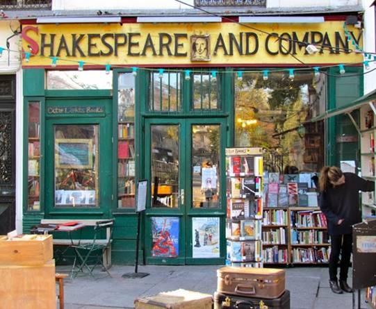 Shakespeare and Company, Paris: Được hình thành từ năm 1919 với một kho kiến thức khổng lồ, Shakespeare and Company là hiệu sách lâu đời nhất ở Paris. Nằm bên bờ sông Seine, Shakespeare and Company là điểm dừng chân của rất nhiều nhà văn nổi tiếng như James Joyce, Ezra Pound và Ernest Hemingway. Hiệu sách này được mở cửa lần 2 vào năm 1950 sau khi phải tạm ngưng hoạt động trong Chiến tranh Thế giới thứ II.