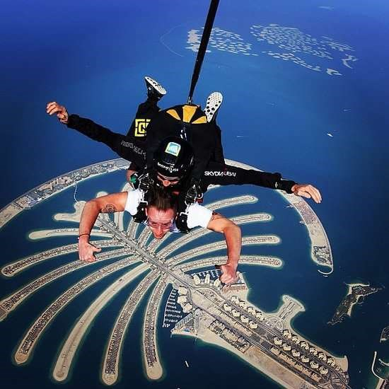Nhung trai nghiem du lich ban nen thu mot lan trong doi hinh anh 16 Khám phá Dubai từ trên cao. Ảnh: Popsugar.