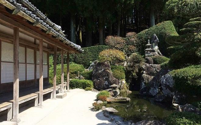 Nhung ngoi lang samurai bi an cua Nhat Ban hinh anh 3 Có 7 khu dinh thự mở cửa cho khách tham quan tại Chiran. Trong ảnh là dinh thự Mori Shigemitsu, nơi duy nhất có một cái ao trong số 7 dinh thự.