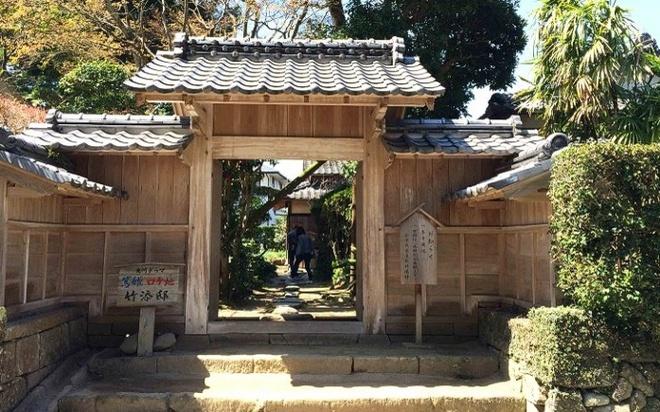 Nhung ngoi lang samurai bi an cua Nhat Ban hinh anh 5 Thị trấn cổ Izumi – Fumoto: Tại đây có ít địa điểm tham quan hơn thị trấn Chiran, Izumi – Fumoto chỉ mở ra có 3 điểm tham quan cho du khách. Các dinh thự cổ tại đây rất đặc trưng giống như trên các bộ phim truyền hình cổ trang mà bạn hay xem.