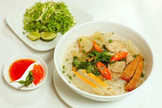Nha Trang - mien thuy duong cat trang hinh anh 3 Bún chả cá đặc trưng miền biển Nha Trang. Ảnh: Duocbaokhang.