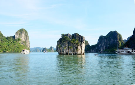 Lonely Planet gioi thieu ve vinh Ha Long trong an pham moi hinh anh