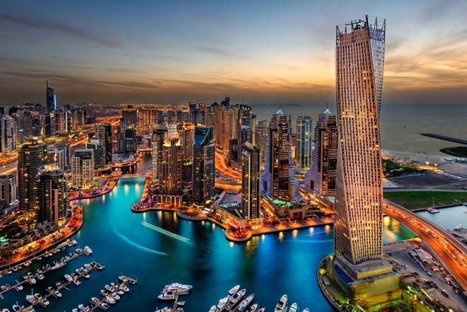 Nhung buc anh 'Chi co the la Dubai' hinh anh 7 Lúc bình minh hay khi hoàng hôn, Dubai vẫn luôn mang trong mình một vẻ đẹp xa hoa, lộng lẫy.