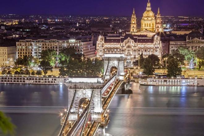 Top 10 thanh pho du lich co gia re nhat chau Au hinh anh 2 Budapest, Hungary: Là một điểm du lịch với giá rẻ quanh năm. Nhiều du khách sẽ cảm thấy thích thú với các nhà thờ và lâu đài nơi đây. Tuy nhiên, bể tắm nước khoáng nóng mới chính là điểm thu hút du lịch của địa danh này.