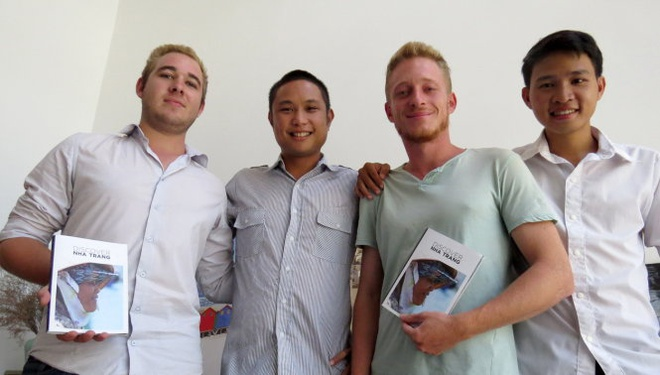 5 chang ngoai quoc lam tap chi Discover Nha Trang hinh anh
