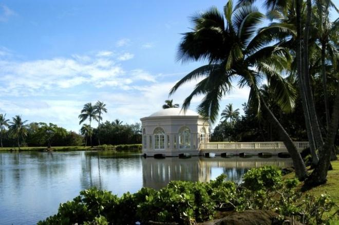10 noi to chuc dam cuoi bai bien tuyet dep tren the gioi hinh anh 2 2. Hawaii  Là một trong những điểm đến để tổ chức các bữa tiệc cưới linh đình, Hawaii phổ biến với các cặp đôi ở Mỹ. Cũng giống như Fiji, nơi đây có đầy đủ các khu nghỉ dưỡng đẹp như tranh để chụp hình và tổ chức đám cưới với những khung cảnh đầy lãng mạn.  Du khách có thể lựa chọn đảo Maui và Honolulu nếu thích sự yên tĩnh và xa xôi hơn.