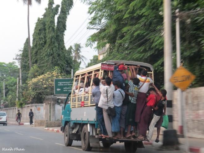 Ky niem 12 tieng song cham o Yangon hinh anh 1