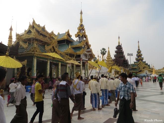 Ky niem 12 tieng song cham o Yangon hinh anh 2