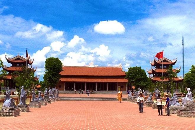 Tour 4 ngay kham pha ve dep cua mien Tay hinh anh 2 Thiền viện Trúc Lâm Phương Nam. Ảnh: Cẩm Tú - Báo Lao Động.