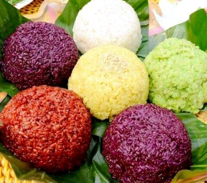 Thuong thuc dac san Ha Giang mua tam giac mach (phan 2) hinh anh 4 Món xôi ngũ sắc vô cũng bắt mắt. Ảnh: Kienthuc.net.