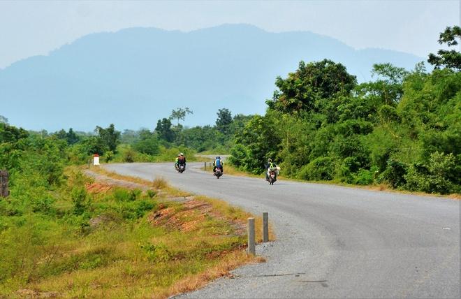 Nguoi Viet chinh phuc noc nha Campuchia hinh anh 2 Tuy nhiên, vừa rồi chúng tôi đã có dịp khám phá một góc rất khác của đất nước Khmer láng giềng mà rất ít du khách biết tới, đó là thử một lần chinh phục đỉnh Aural cao 1,813m, nóc nhà của đất nước Campuchia.