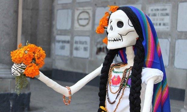 Kham pha le hoi nguoi chet o Mexico hinh anh 5 Bạn sẽ bắt gặp những bộ xương sọ khắp nơi vào lễ hội. Ảnh: Wanderlust.
