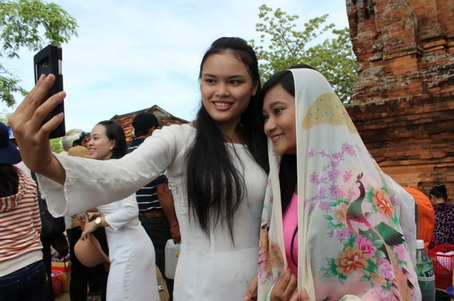 Tung bung le hoi Kate Cham Ninh Thuan hinh anh 4
