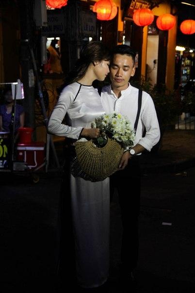 Viet Nam ky thu duoi goc nhin cua cap doi Ukraine hinh anh 10 Hình ảnh thiếu nữ trong chiếc áo dài trắng tinh khôi lúc nào cũng khiến anh chàng Ukraine xao xuyến.