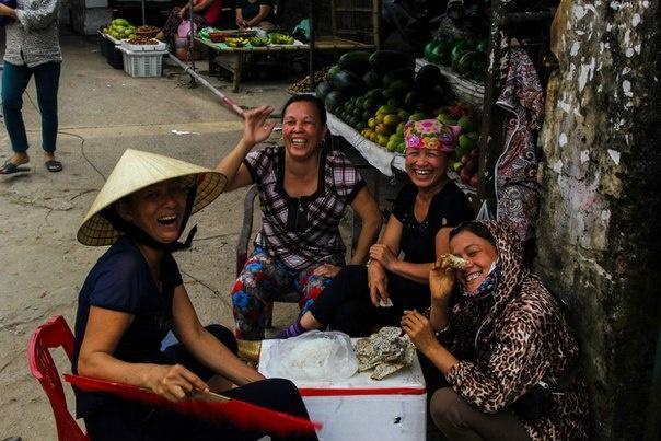 Viet Nam ky thu duoi goc nhin cua cap doi Ukraine hinh anh 13 Nhưng với họ Việt Nam đẹp nhất là đây, nụ cười rạng rỡ ngay cả trong khó nhọc.