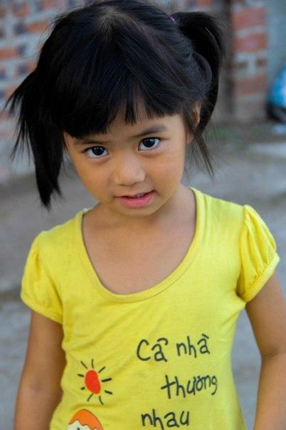 Viet Nam ky thu duoi goc nhin cua cap doi Ukraine hinh anh 16 Trẻ em như búp trên cành.