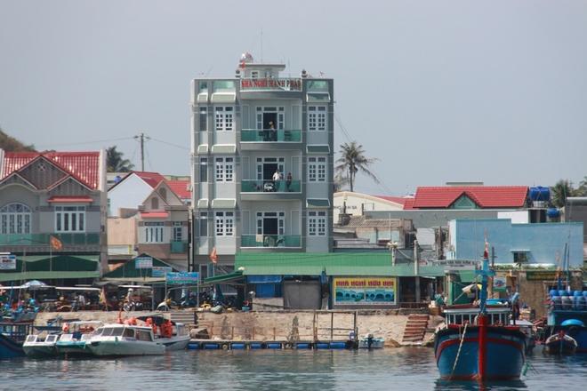 Cam phat trien du lich o dao Binh Ba tu dau thang 11 hinh anh 3 Nhà nghỉ ở Bình Ba đầu tư hàng tỉ đồng chưa kịp thu hồi vốn.