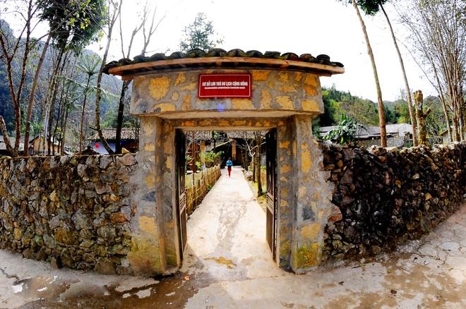 Tam giac mach dau mua ruc ro o Ha Giang hinh anh 6 Chùm ảnh về hoa tam giác mạch và khu nhà của Pao.