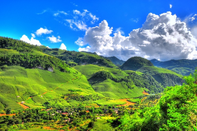 'Nhin du lich Viet ma dau long' hinh anh 1 Núi rừng Tây Bắc tuyệt đẹp của Việt Nam. Ảnh: Blue_sea.
