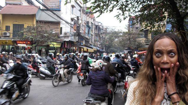 'Nhin du lich Viet ma dau long' hinh anh 2 Cảnh giao thông kinh dị tại Việt Nam. Ảnh: Vtc.vn.
