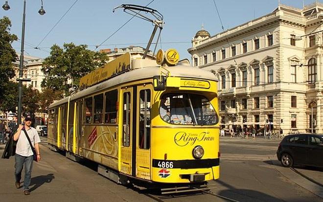 """Hệ thống xe điện Vienna ở thủ đô của nước Áo có đường ray """"khủng"""" lên tới 180 km và 1.000 nhà ga."""