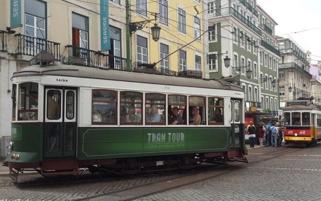 Lisbon nổi tiếng với những trạm xe điện nhiều làn.