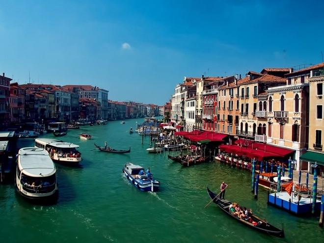 Top 15 thanh pho du khach nhat dinh phai den mot lan hinh anh 13 13. Venice, Italy: Được du ngoạn khắp Venice trên con thuyền Gondola, được đi bộ trên quảng trường San Marco ngắm nhìn các tháp nhà thờ là ao ước của rất nhiều người.