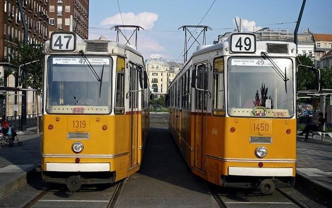 Trạm xe điện Budapest ở Hungary có từ năm 1866, và được công nhận là di sản thế giới.