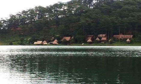 Trai nghiem thu vi o Da Lat thang 11 hinh anh 1 Hồ Tuyền Lâm những ngày cuối thu của tháng 11. Ảnh: Dinh Tuan.