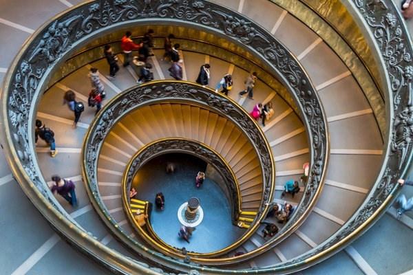 Chiem nguong nhung cau thang dep nhat the gioi hinh anh 10 Cầu thang trong một tòa nhà ở Rome, Italy.