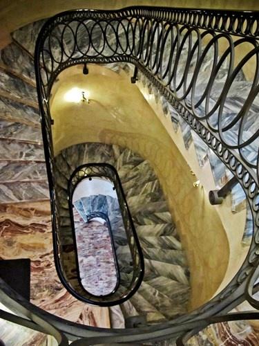 Chiem nguong nhung cau thang dep nhat the gioi hinh anh 15 Cầu thang đá ở Milan, Italy.