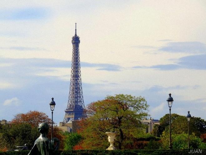 Paris vao mua lang man nhat trong nam hinh anh