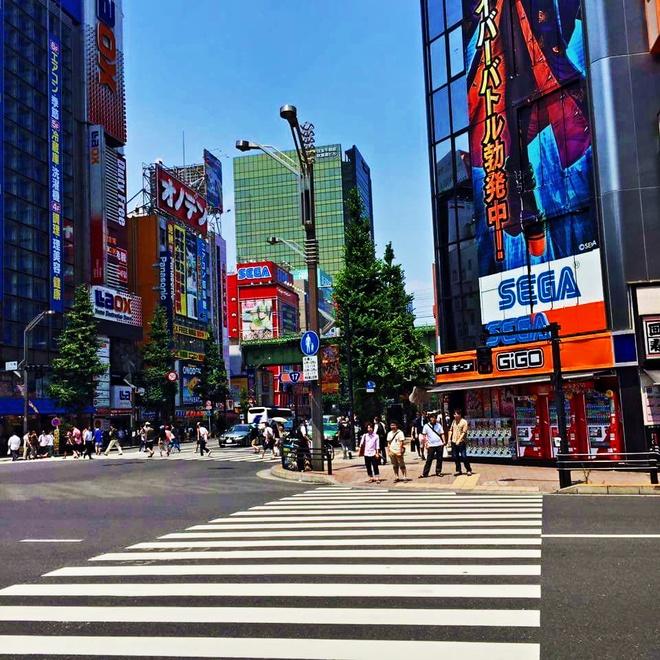 Nhung diem tham quan khong ton tien o Tokyo hinh anh 1 Khu Akihabara đông đúc.